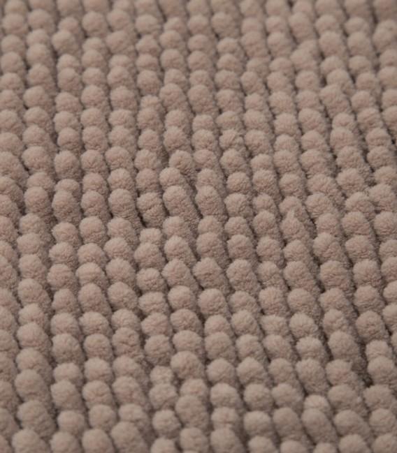 Detalle de la Alfombra de Microfibra Súper Absorbente Color Camel
