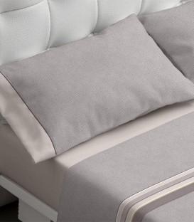 Detalle del tejido y de la almohada del Juego de Sábanas Burrito Blanco 696 Beige Algodón 100%