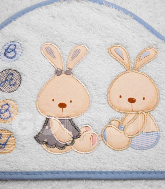 Detalle de la Capa de Baño Conejitos Baby blanco/azul 100x100cm de Interbaby