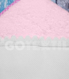Detalle del Rizo y Panamá de la Capa Baño de bebé color Rosa. Especial para bordar